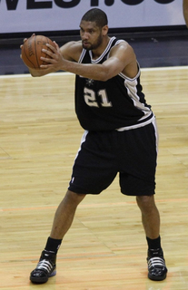 Tim_duncan_vs_wizards_2009_cropped.jpg